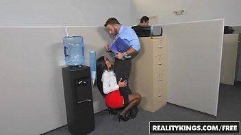 Sexo gratuito com a secretária