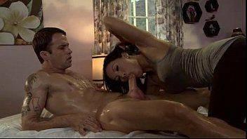 Sexo com lider de torcida bem gostosinha e provocante